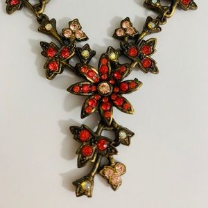 Jewelry - Crystal and bronze statement necklace